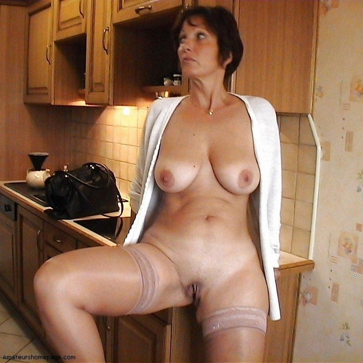 busty video gallery