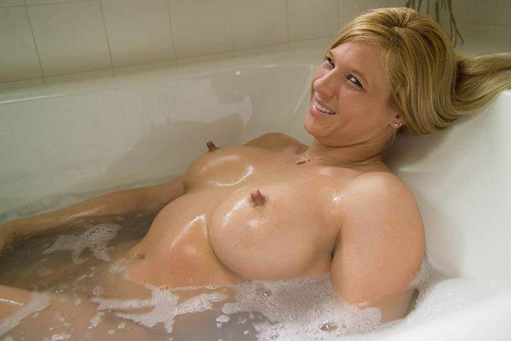 free pictures of massive natural tits