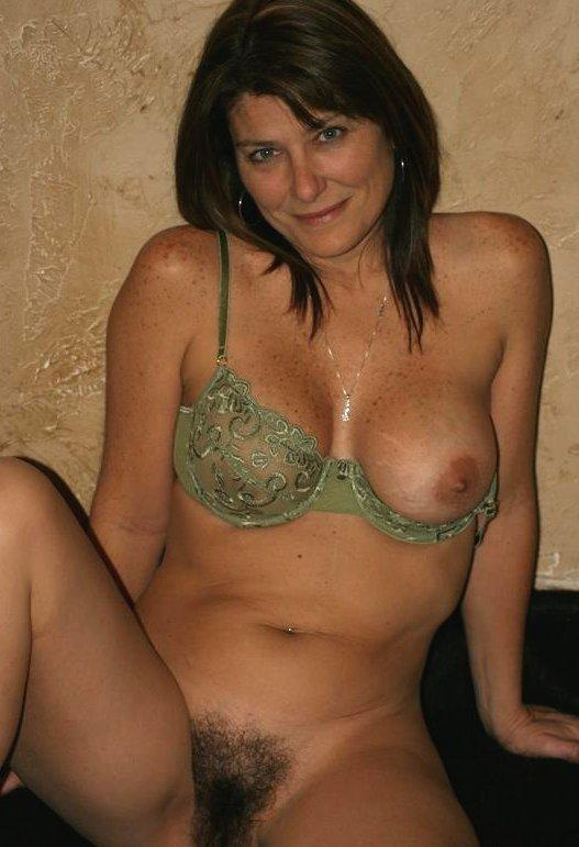 angelina joile boobs