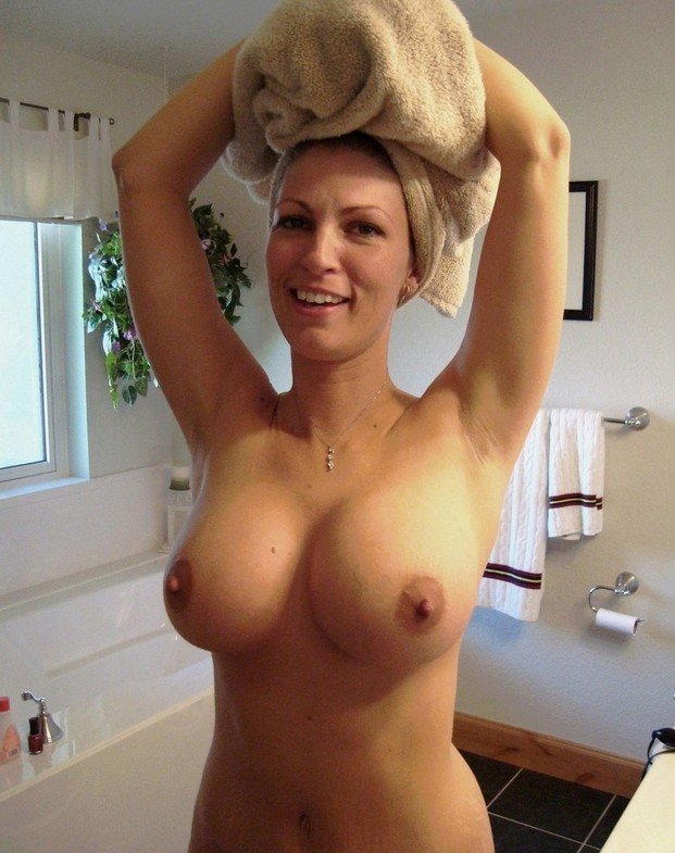 hude boobs naked