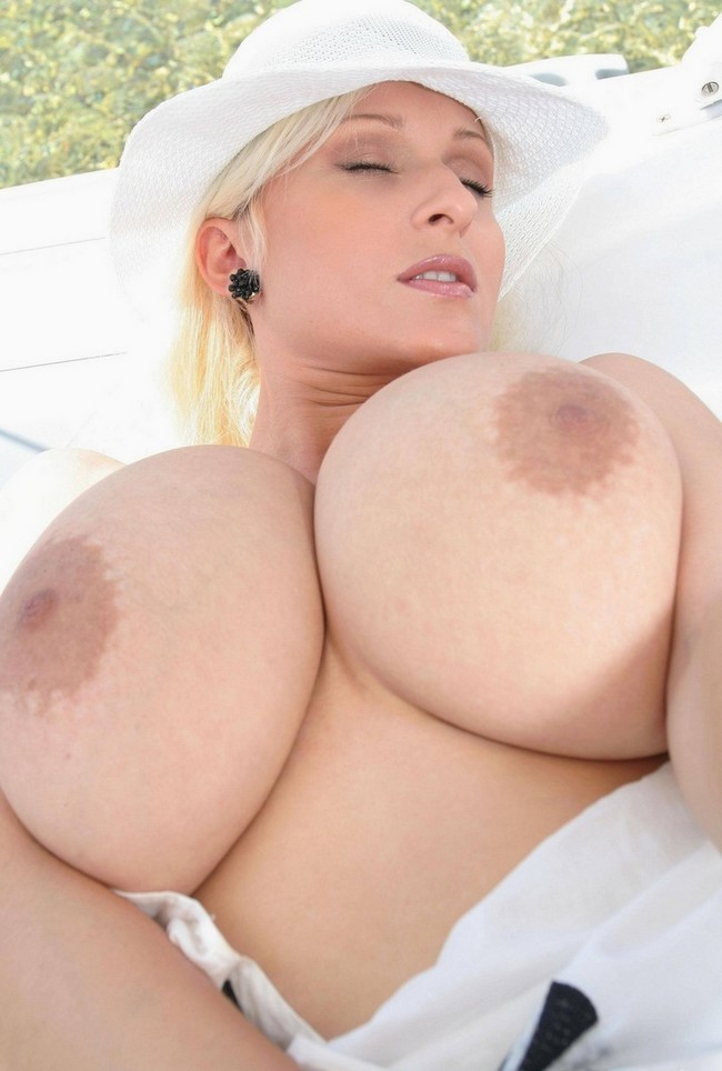 perfect girls busty blonde solo