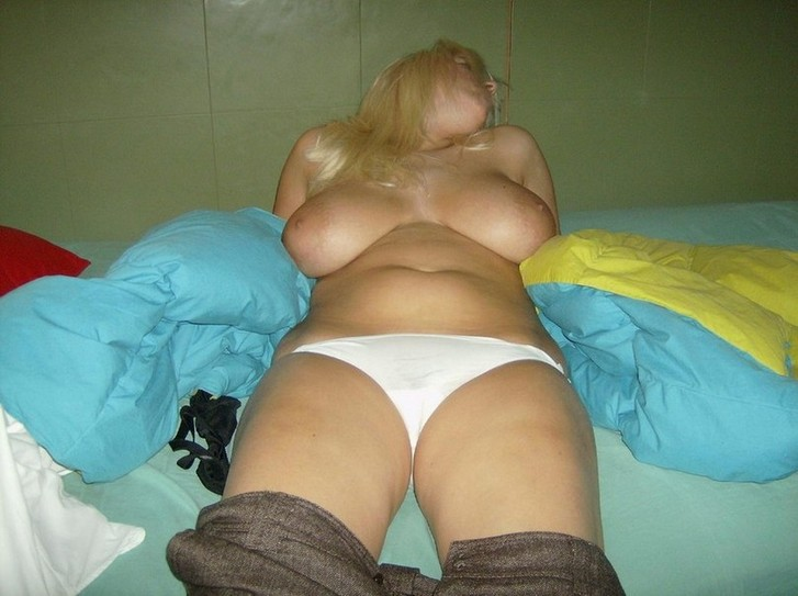 girl showing their tits