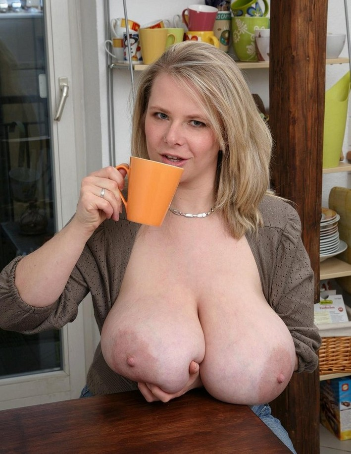 Mature Wife Xxl Tits 112