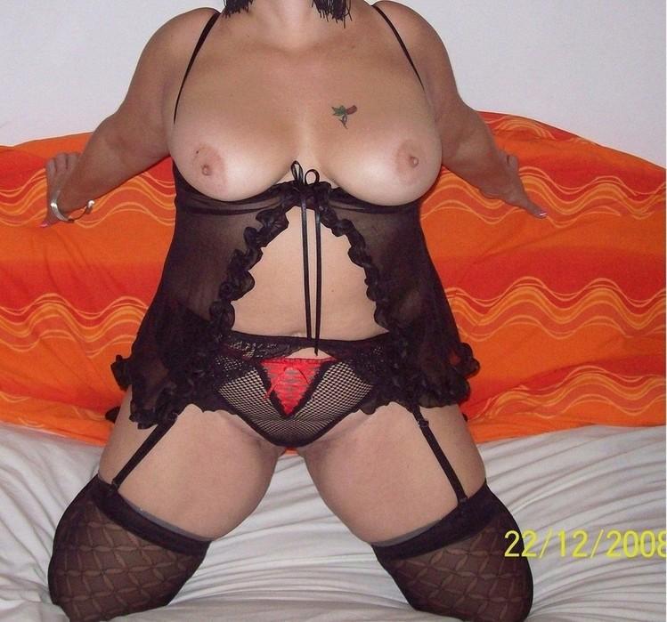 julie benz gallery boobs